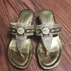 Marc Fisher Amina Thong Sandals Size 5.5